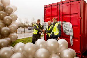 V.l.n.r. Theo Groot (wethouder gemeente Hollands Kroon), Bert Krom (afvalzorg) en Chris Kuijten (HVC)  Foto: Marc Dorleijn.